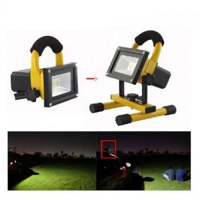 Proiector led de exterior putere 10W , portabil, incarcare auto