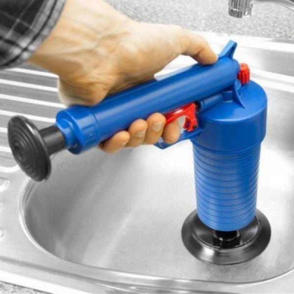 Dispozitiv pentru desfundat scurgerile cu aer comprimat