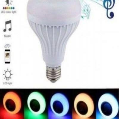 Bec LED cu boxa bluetooth incorporata